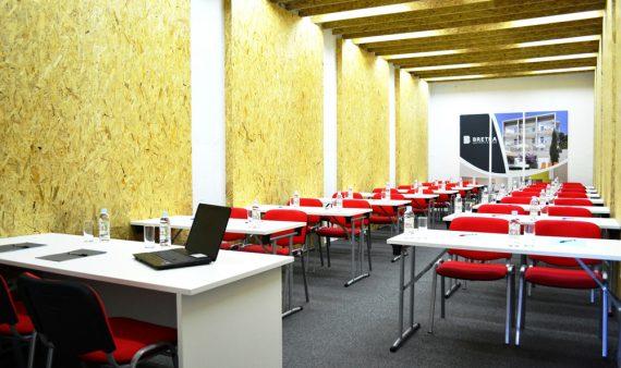 Meeting-room-BRETIA-resize-169